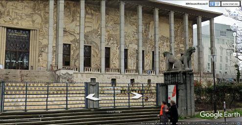 """Le Palais de la Porte Dorée dans l'Est parisien a été construit pour l'Exposition coloniale de 1931 par l'architecte français Albert Laprade, dans le style """"Art déco"""""""