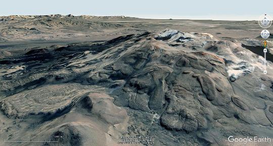 """Vue aérienne du flanc Sud du Payun Matru, un véritable """"musée"""" de dômes, dômes-coulées et coulées visqueuses"""
