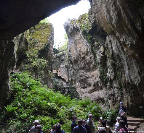 Au fond du Cloup d'Aural (Lot), l'une des anciennes phosphatières du Quercy