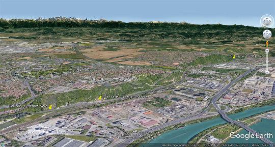 Vue aérienne oblique (vue en direction du Sud-Est) montrant la localisation des photos de cette semaine, entre le Nord de la rue Paul Descartes à Saint-Fons et le Sud du Chemin du Vieux collège à Feyzin