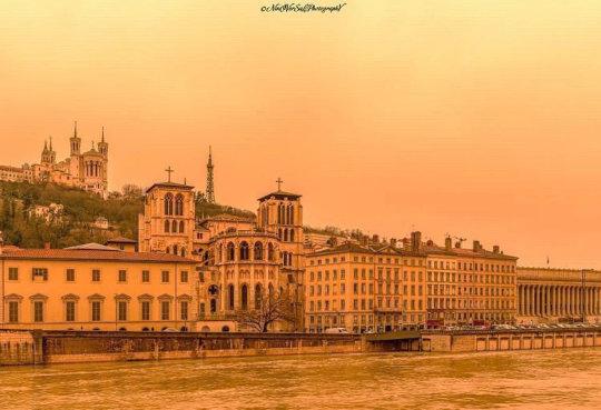 La Saône et le chevet de la cathédrale Saint Jean (Lyon) le 6 février 2021 au matin