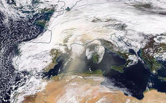 Image NASA / MODIS de l'Europe de l'Ouest et de l'Afrique du Nord le matin du 6 février 2021