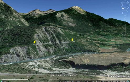 Localisation et cadre du site de Saint-André-d'Embrun (Hautes-Alpes) au bord de la D994d dans les marnes à caractère flyschoïde de l'Éocène subbriançonnais