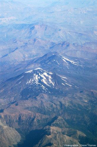 Le double stratovolcan Nevados de Chillian, 3180m, DE 2021, 3500hab.