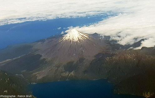 L'Osorno vu depuis l'Est, 2659m, DE 1869, 12000hab.