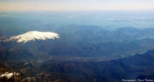 Le Melimoyu, 2400m, DE 200, 200hab., vue large, Andes chiliennes