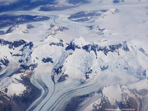 Zoom arrière sur le Sud du Champ de glace Nord de Patagonie, Chili