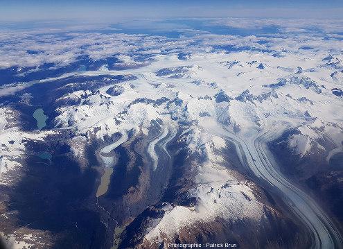 Vue globale de l'extrémité Sud du Champ de glace Nord de Patagonie, Chili