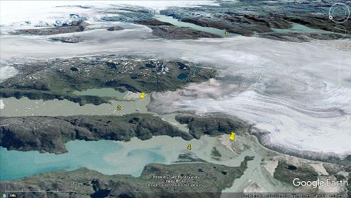 Gros plan sur 2 lacs formés par le barrage dû à un glacier, Groenland