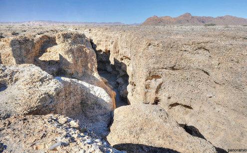 Vue prise depuis le rebord du canyon de Sesriem, Namibie
