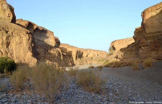 Parcours d'aval en amont tout le long du canyon de Sesriem, Namibie, vue 5/11