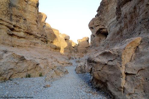 Parcours d'aval en amont tout le long du canyon de Sesriem, Namibie, vue 7/11