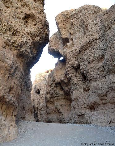 Parcours d'aval en amont tout le long du canyon de Sesriem, Namibie, vue 9/11