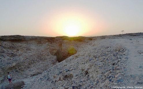 Sortie du canyon de Sesriem (Namibie) quelques minutes avant le coucher du soleil