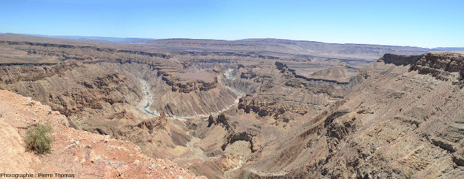Vue sur un méandre dans le canyon de la Fish River, au Sud de la Namibie