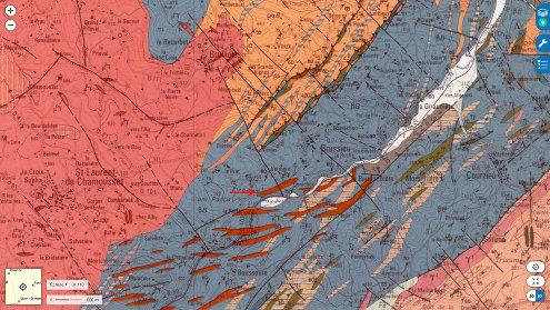 Localisation de l'affleurement de filons de dolérite (flèche rouge) sur un extrait de la carte géologique d'Amplepuis à 1/50000