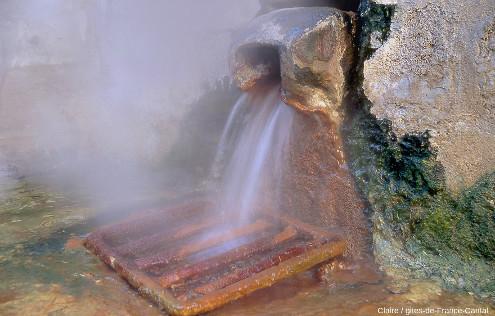La source du Par en hiver, Chaudes-Aigues, Cantal