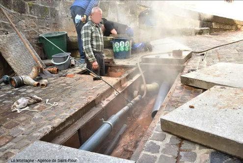 Entretien des canalisations municipales juste en aval de la source du Par en février 2021