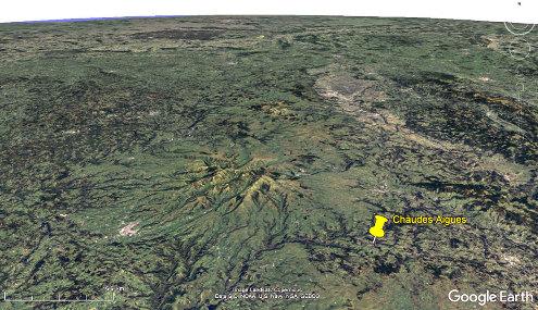 Vue aérienne de la région de Chaudes-Aigues, Cantal