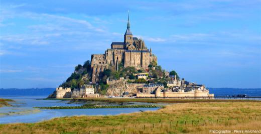 Le Mont-Saint-Michel, vu depuis le continent