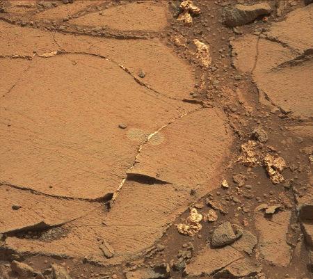 Autre secteur à lamines fines particulièrement nettes photographié le sol 837 par Curiosity