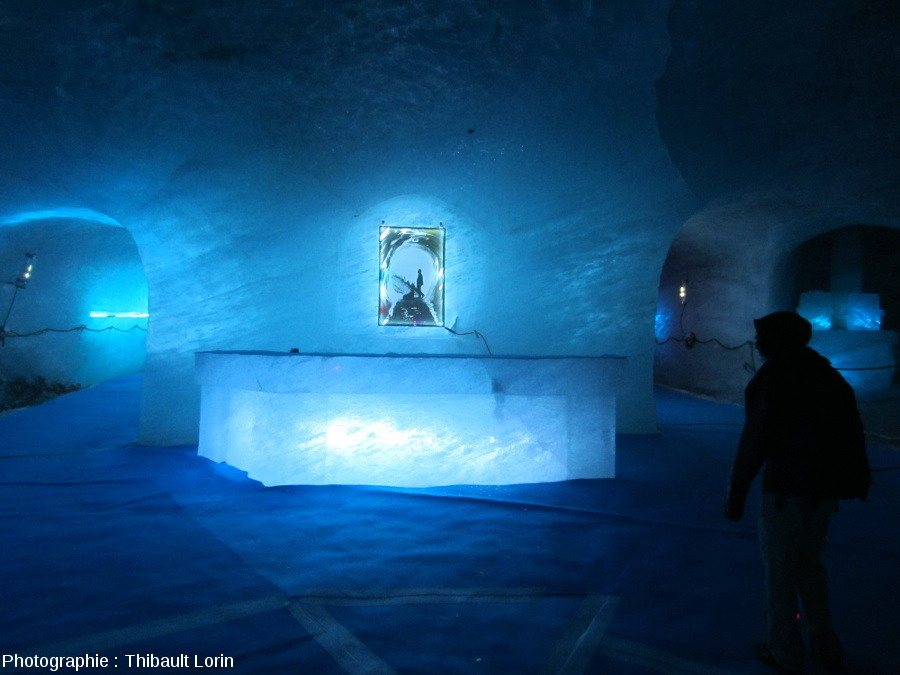 Intérieur du glacier au sein de la Grotte de glace