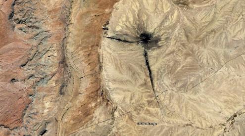 Vue satellite de Tsé Bit'a'í (en langue navajo) ou Shiprock (en anglais)