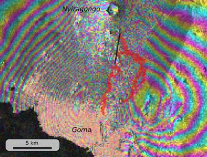 Détail sur l'interférogramme et position de la coulée au 29 mai 2021