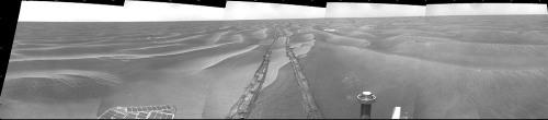 Opportunity traverse des dunes
