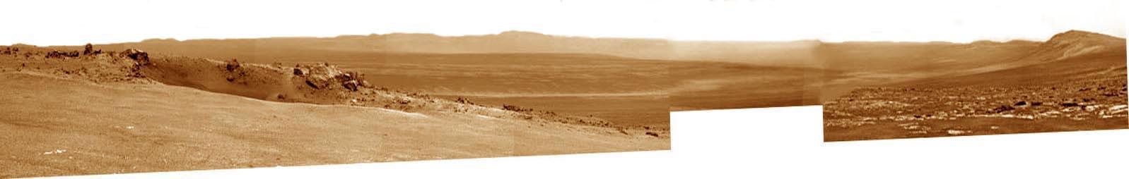 Mosaïque artisanale prise de Botany Bay en direction du cratère Endeavour qui se découvre dans sa quasi-totalité