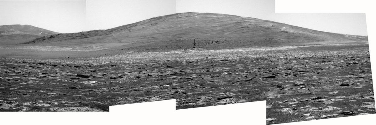 En arrivant au pied de Solander Point, 1er août 2013 (sol 3385)