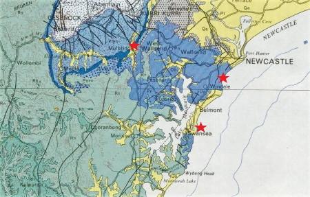 Localisation des sites de Mulbring, Swansea Heads et Glenrock, sur fond de carte géologique au 1/500000 du bassin de Sydney