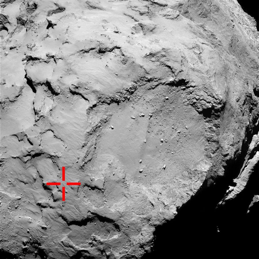 Position du point d'atterrissage prévu (croix rouge) reporté sur une image OSIRIS petit champ prise le 2 septembre 2014 (5 semaines avant la séparation Rosetta/Philae) depuis une distance de 50km de la surface
