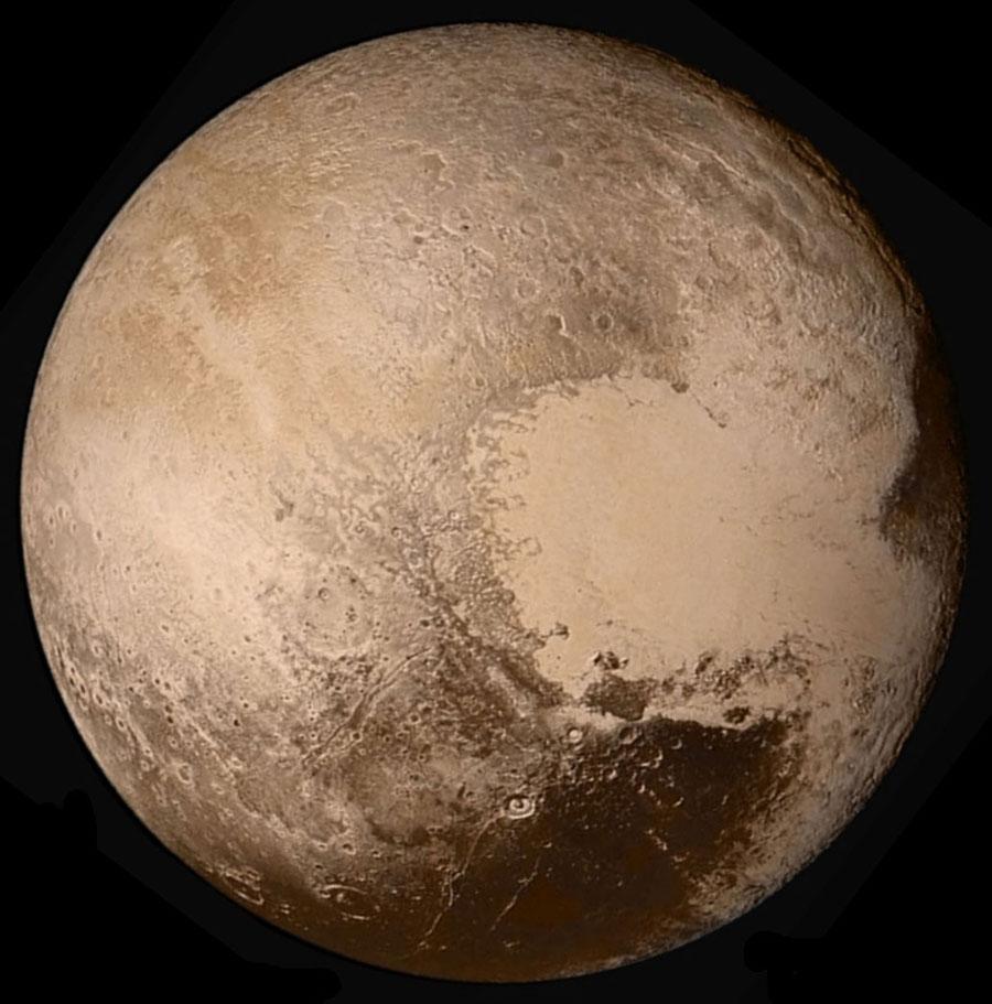 Vue globale en vraies couleurs de Pluton photographié depuis 450000km