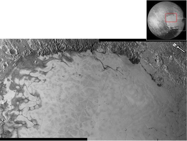 Mosaïques brute de 2 images à haute résolution couvrant le Nord-Est de Sputnik Planum