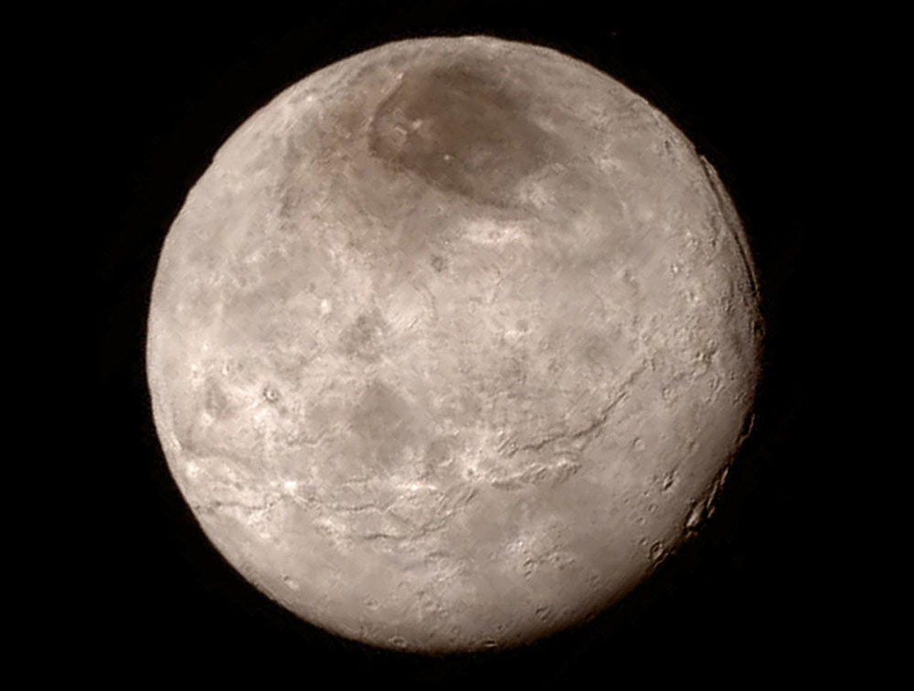 Vue globale en vraies couleurs de Charon