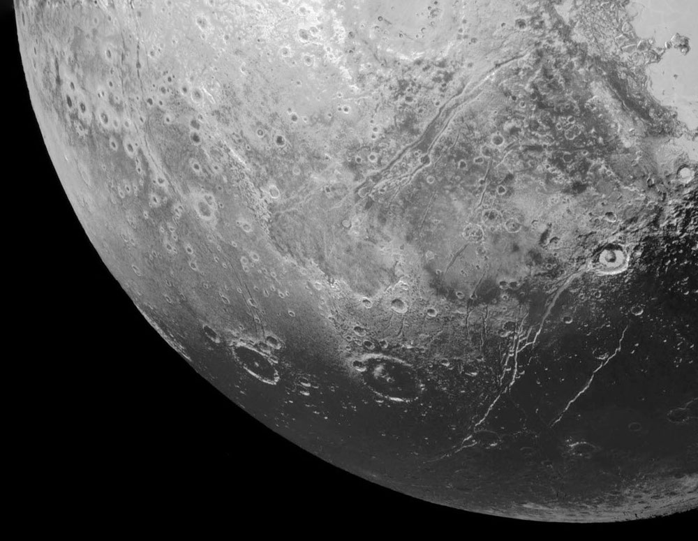 Cthulhu Regio et Viking Terra, Pluton