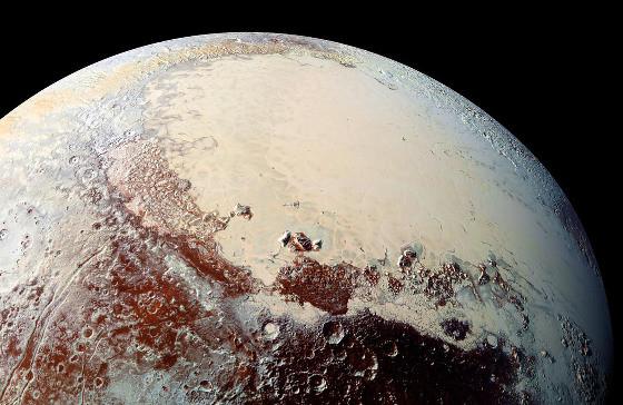 Vue oblique globale de Sputnik Planitia, sur Pluton, vue depuis l'Ouest-Sud-Ouest