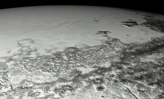 Vue rasante de la bordure NO de Sputnik Planitia, Pluton