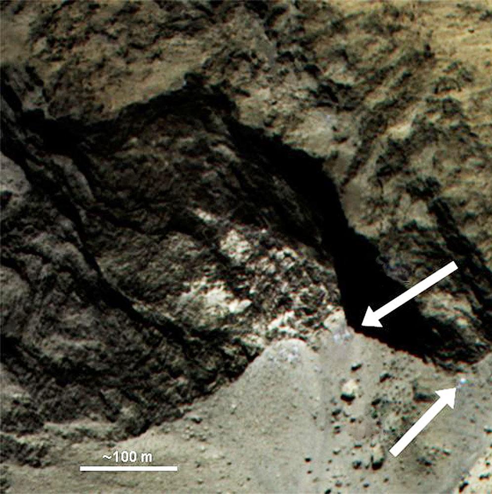 Taches toujours claires, quel que soit l'éclairage, possibles traces de glace sur Chury