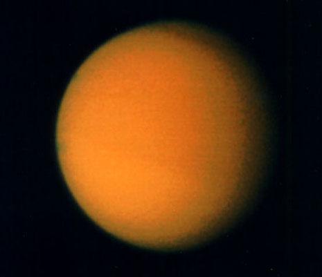 Titan, gros satellite de Saturne