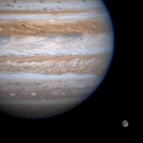 Jupiter (d= 142800km) photographié par Cassini le 6 décembre 2000