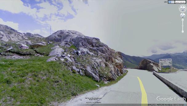 Le col de la Croix de Fer et ses roches volcaniques hercyniennes