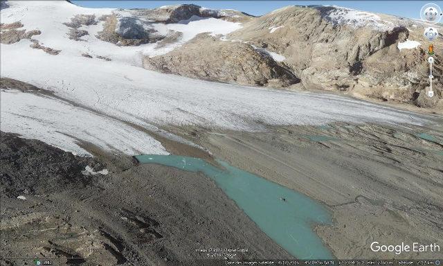 Le front du glacier de Saint Sorlin, témoin du recul des glaciers dû au réchauffement climatique