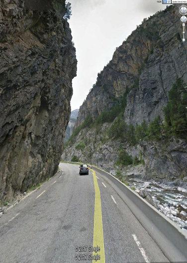 """Des gorges """"calcaires"""" du Guil, creusées dans des calcaires dolomitiques du Trias supérieur"""