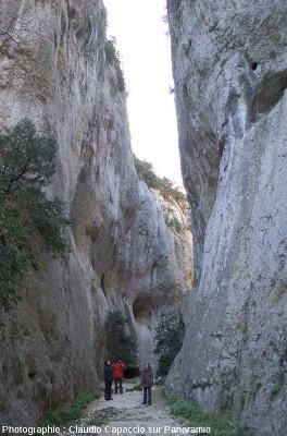 En se promenant dans les gorges du Régalon