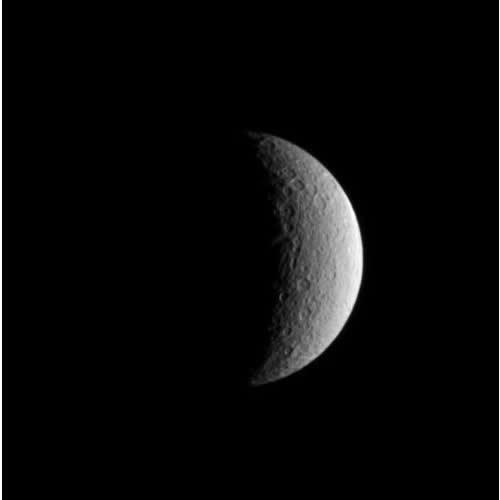 Rhéa, vu par Cassini le 2 juillet 2004