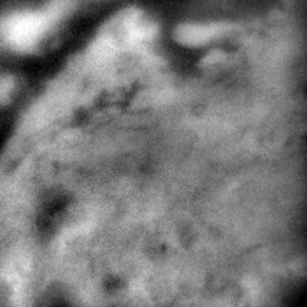 """Image """"IR haute résolution"""" de la surface de Titan"""