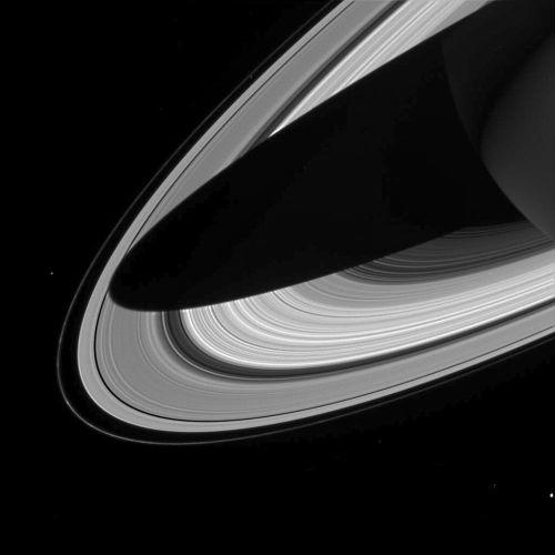 Ombre de Saturne sur les anneaux (image Cassini)