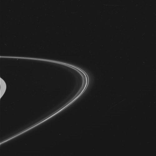 Anneau F de Saturne, vue générale